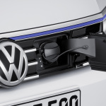 VW-Passat-GTE-10