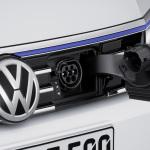 VW-Passat-GTE-11