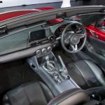 allnewMX5_unveiling_MazdaSpace_interior_02__jpg300