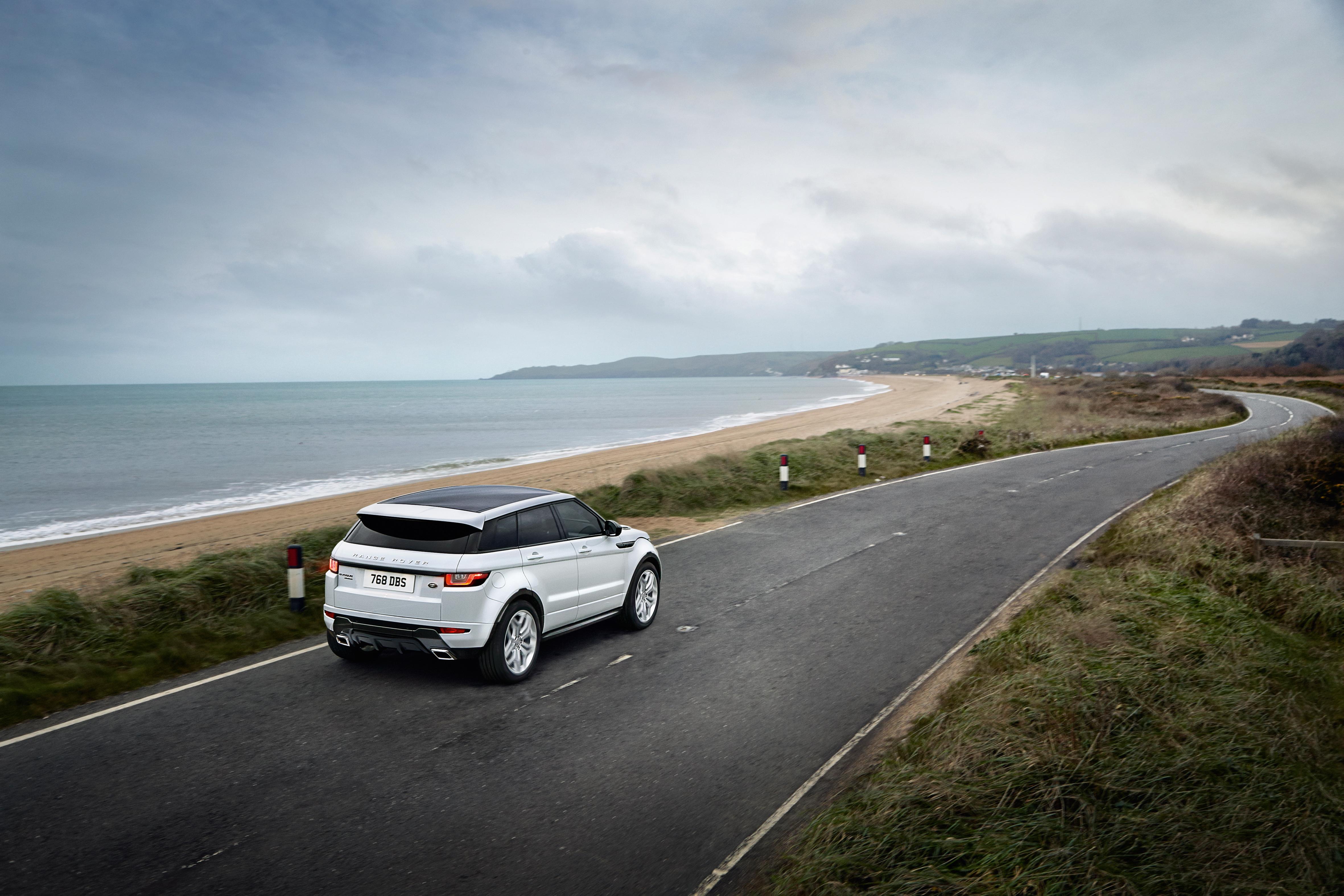 MY16_Range_Rover_Evoque_EXT_LOC101_PR_(104599)