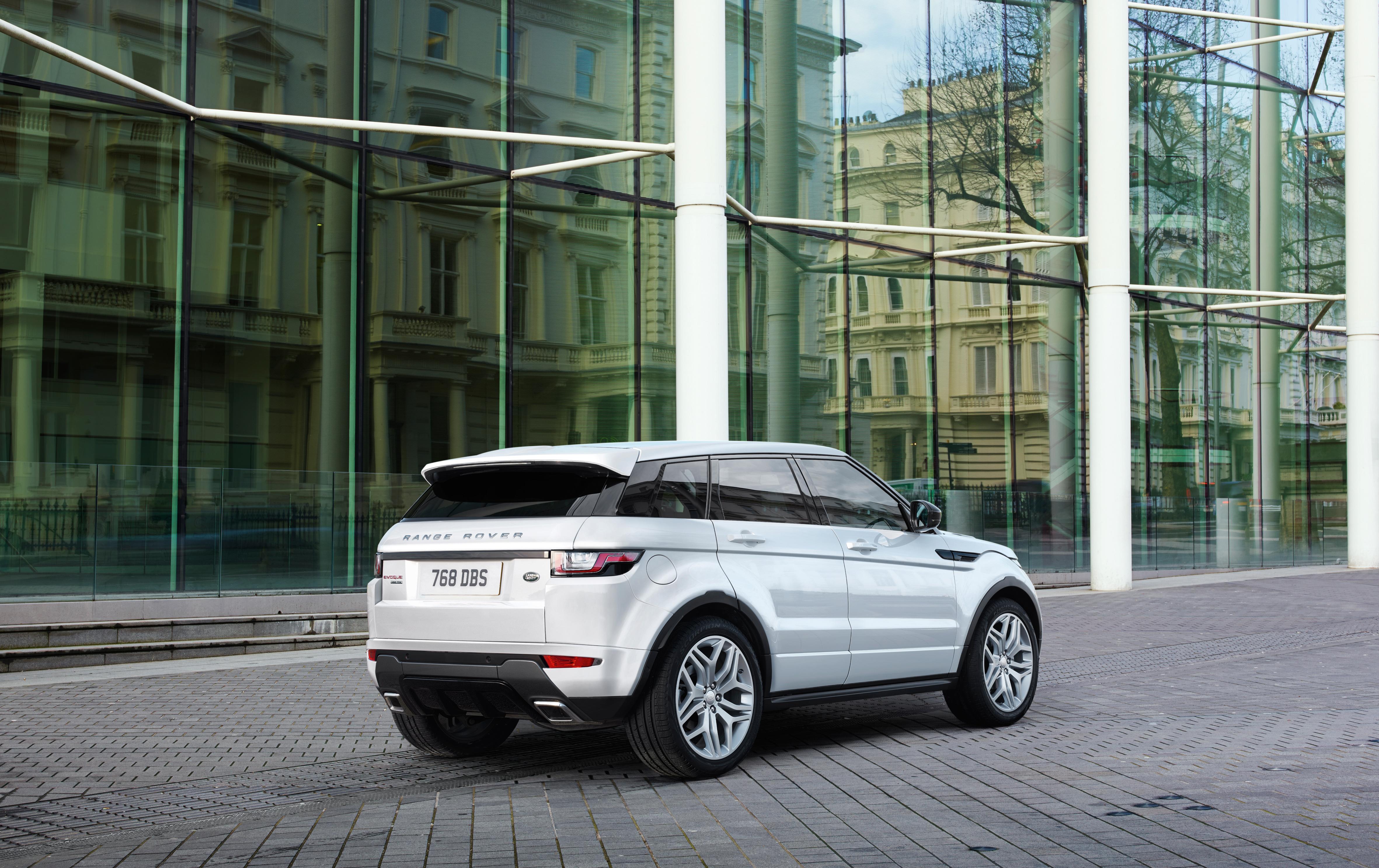 MY16_Range_Rover_Evoque_EXT_LOC114_PR_(104591)