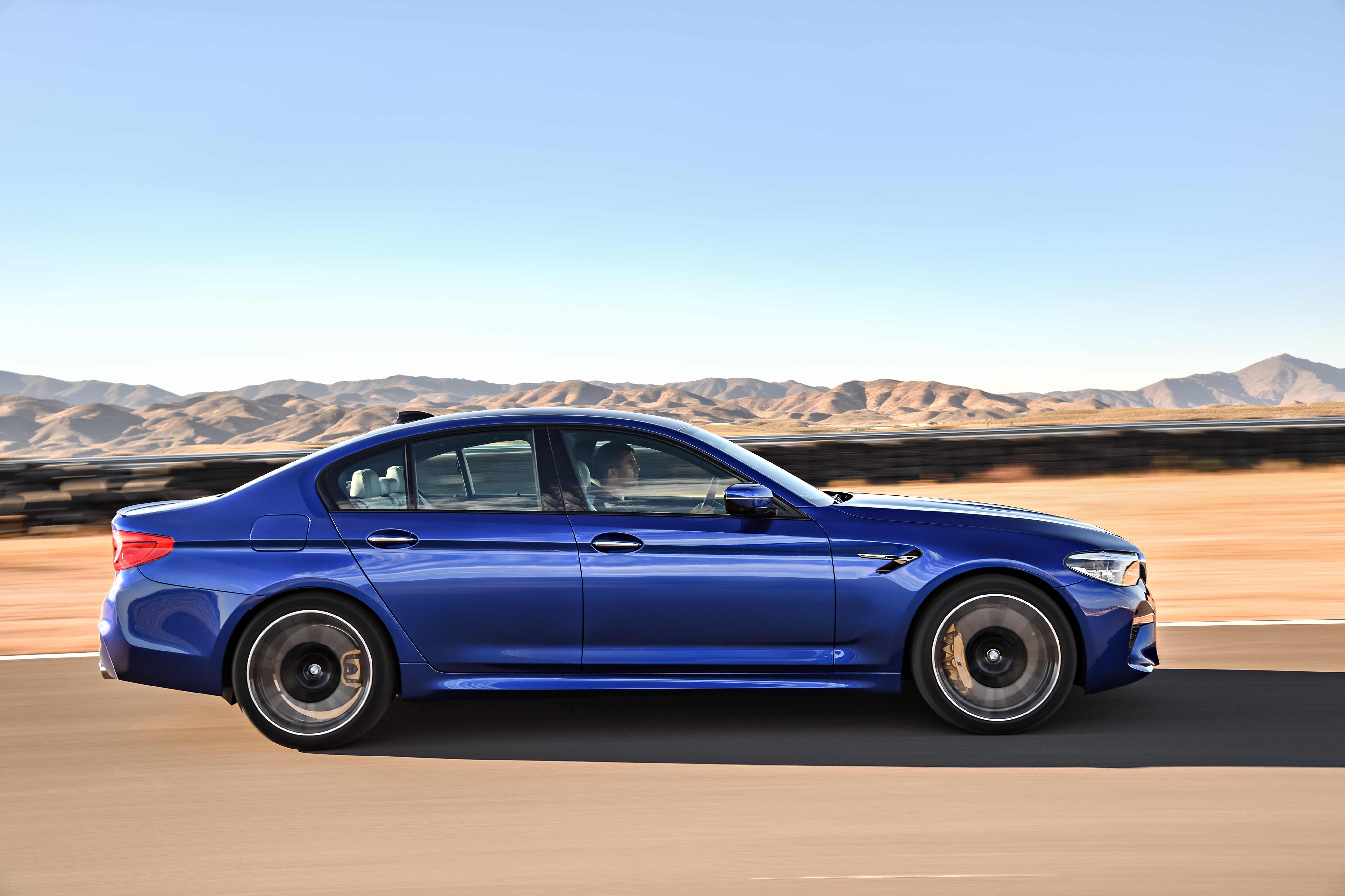 P90272988_highRes_the-new-bmw-m5-08-20